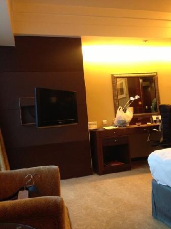 Shangri-La Hotel Chengdu: 房间不大