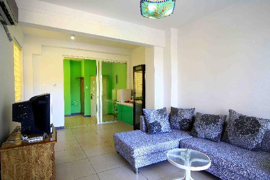 Sunshine Holiday Apartment Hotel (Sanyawan) : 客厅  亚龙湾