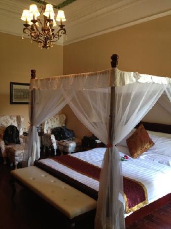 Zhongdeji Holiday Villa Hotel : 别墅的大床