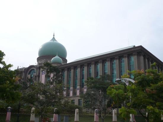 Perdana Putra: 很漂亮的建筑