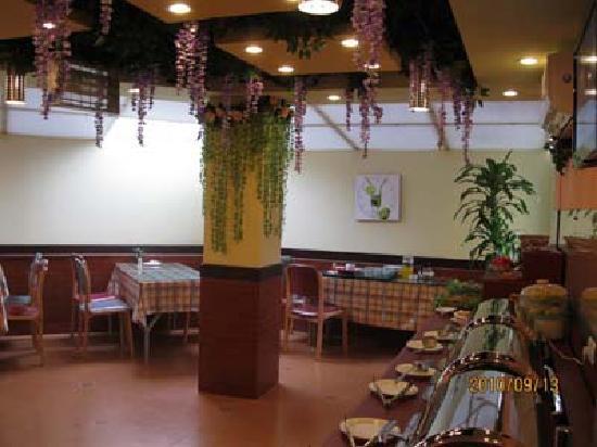 Home Inn (Kunming East Railway Station) : 餐厅