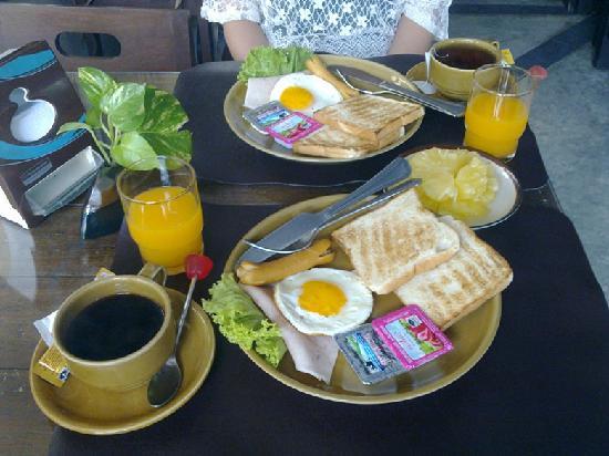 Thongta Resort And Spa: 酒店送的早餐