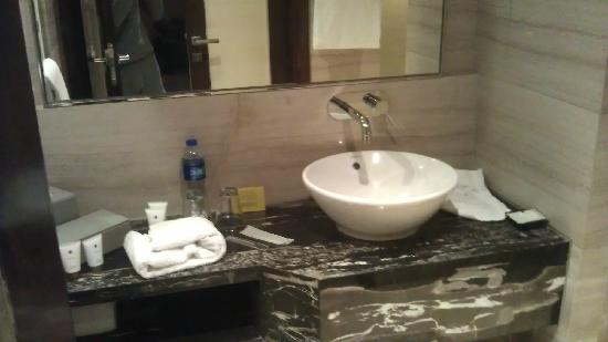 Grand Mercure Shanghai Central: 卫生间