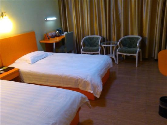 Motel 168 (Suzhou Likou Jiajucheng) : 酒店客房