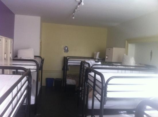 Chicago Getaway Hostel: 宿舍房間
