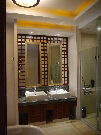 Hotels & Preference Haily Binya Resort & SPA: 洗脸盆