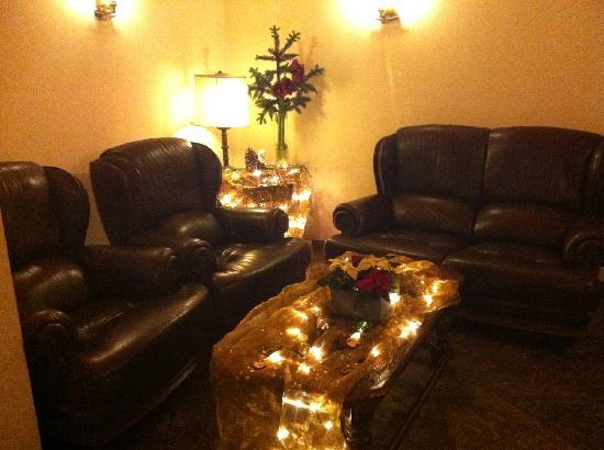 Diehls Hotel : livingroom