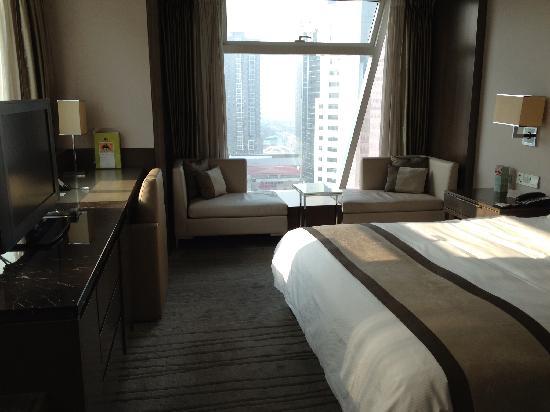 Doubletree by Hilton Beijing: 高级大床间内景