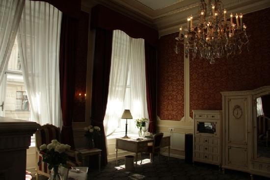 Hotel Imperial Vienna: 房内