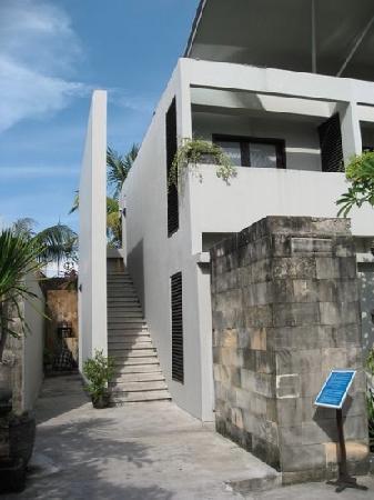 The Oasis Kuta: 白色的精致酒店