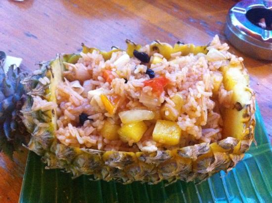 Sawasdee Khaosan Inn : 菠萝饭