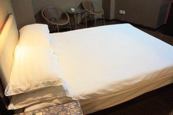 Jin Hao Hotel: 大床房