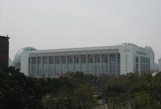 Oriental Riverside Hotel: 远观