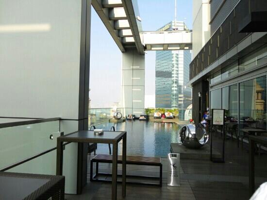 Crowne Plaza Hotel Hong Kong Causeway Bay: 顶层泳池