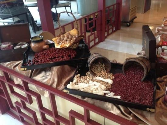 Shanghai JC Mandarin Hotel: afternoon tea