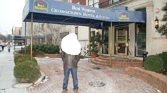 BEST WESTERN Georgetown Hotel & Suites: 酒店门口