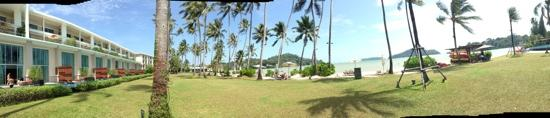 Phuket Panwa Beachfront Resort: nice beach