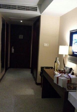 Pullman Shanghai Skyway Hotel:                   房间