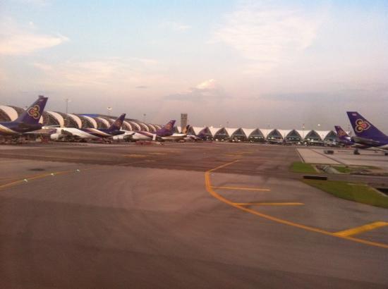 Chaba Suvarnabhumi Airport:                   曼谷机场