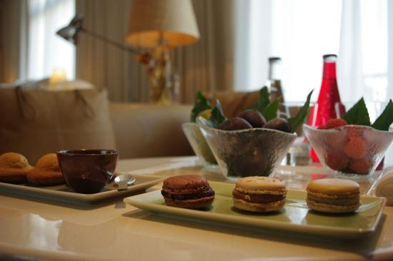 Le Royal Monceau-Raffles Paris:                   Welcome dessert