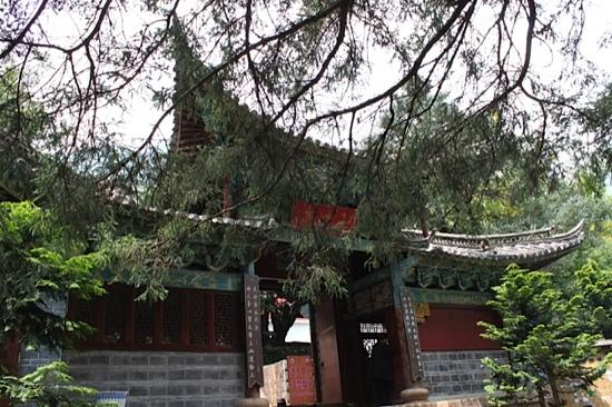 Yufeng Temple: 寺门
