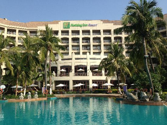 Holiday Inn Resort Sanya Bay: 酒店泳池及外观