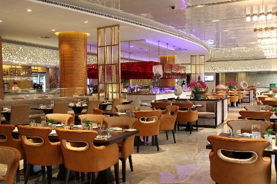 Ramada Plaza Shanghai Pudong Airport: 香榭丽西餐厅