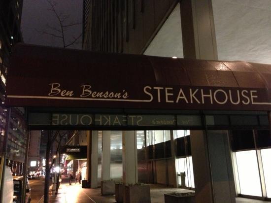 Ben Benson's Steak House: 前门