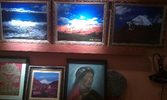 Lhasa Phuntsok Khasang International Youth Hostel :                   很喜欢的画