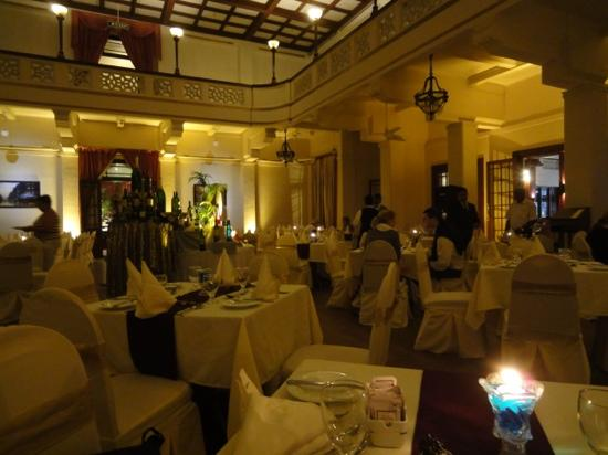 โรงแรม ซุยส์ซี่: 瑞士酒店