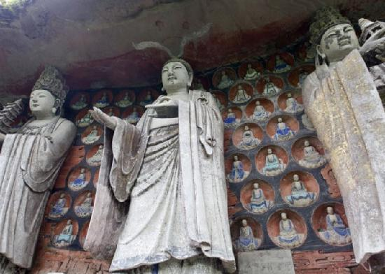 Shengshou Temple: 宝顶山圣寿寺