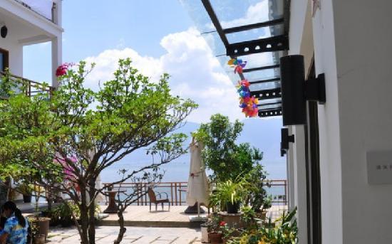 Chong'er Inn: 虫二客栈院景