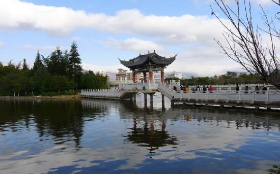 Mengzi, Китай: 蒙自南湖