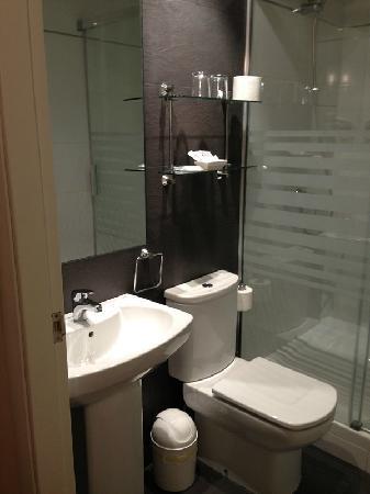 Hotel Center Gran Via : 浴室