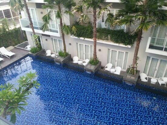 Grand Ixora Kuta Resort: 泳池