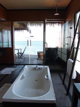 Adaaran Select Hudhuranfushi: 水屋内观
