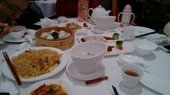 He Yuan Restaurant