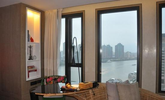 Hotel Indigo Shanghai on the Bund: 窗外