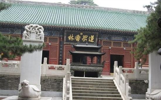 Jie Tai Temple: 戒台寺