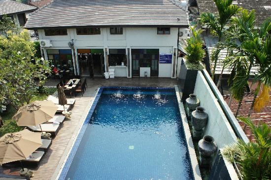 โรงแรม เดอ ลานนา: 泳池