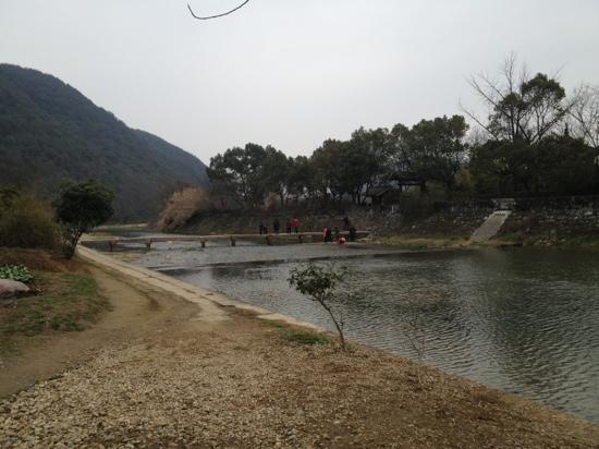 Orchid Pavilion (Lan Ting): 兰亭小溪
