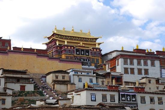 Sumtsaling Monastery: view