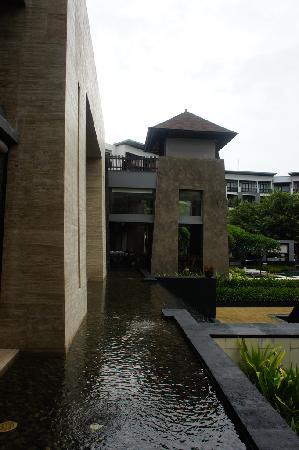 Pullman Bali Legian Nirwana: 中庭