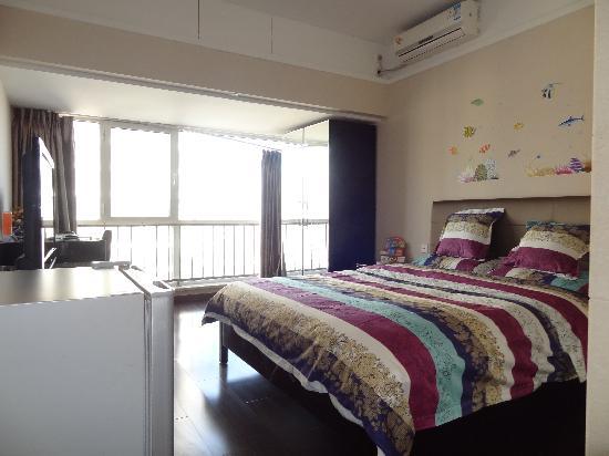 Ao Cheng Tiantian Apartment Hotel: 床