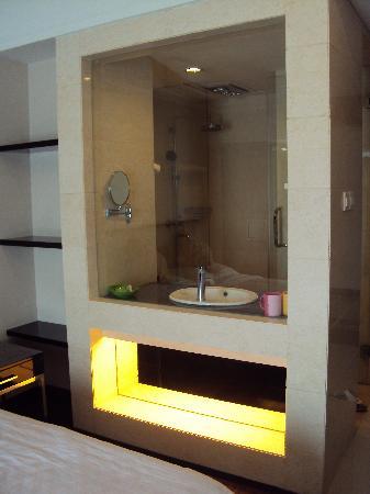 Ao Cheng Tiantian Apartment Hotel: 洗手间