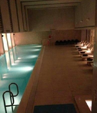 The Langham Shanghai Xintiandi:                   游泳池