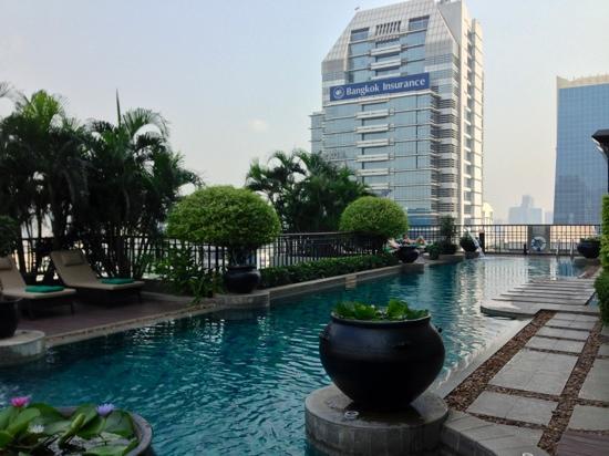 Banyan Tree Bangkok:                   室外泳池