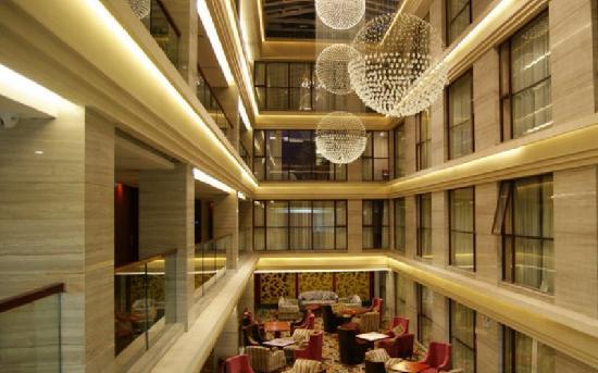 Yangshuo Elite Garden Hotel:                   酒店中庭