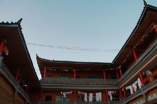 Lugu Lake Senteng Inn Caohai:                   客栈外观