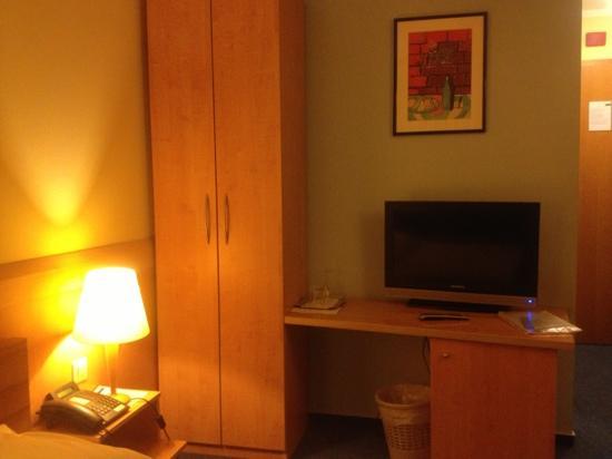 M hotel 单人间